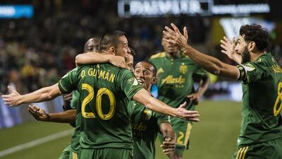 David Guzmán, Diego Valeri celebran gol Portland Timbers