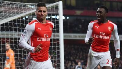 Giroud y Cazorla marcaron dos goles en la victoria del Arsenal.