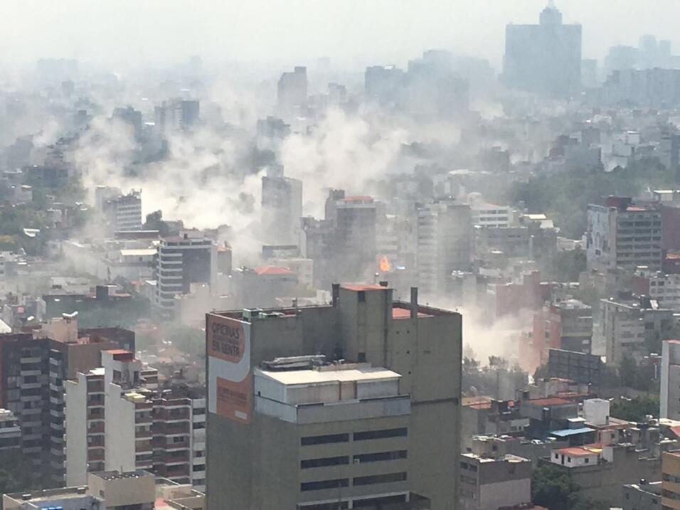 Una toma de aérea de la ciudad de México, luego del podero...