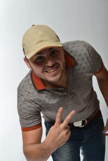 Gerardo Ortiz debutó en Premios Juventud y este año será uno de los hosts.