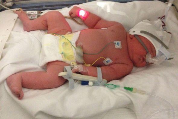 De acuerdo con el sitio DailyMail, una enfermera aseguró que el bebé pes...
