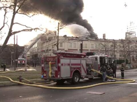 Se estima que el fuego haya empezado en uno de los tres sótanos q...