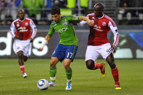 14 de mayo, 2011: El primer duelo en la MLS entre Seattle Sounders y Por...