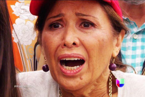 ¿Qué pasa doña Guadalupe? No nos asuste, no nos diga que a Salvador le p...
