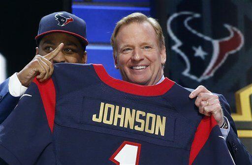 La selección de los Texans (#16) fue con el CB de Wake Forest, Kevin Joh...