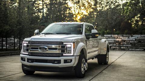 Camionetas Pick Ups 18fordsuperduty-limited-15-hr-1.jpg