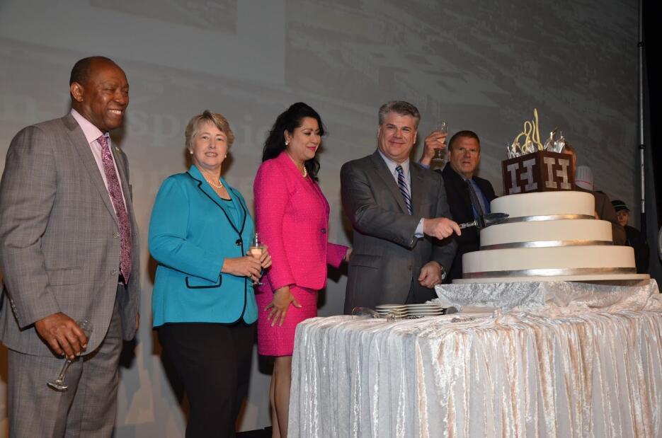 Cámara de Comercio Hispana de Houston celebra su 40 aniversario Picture-...