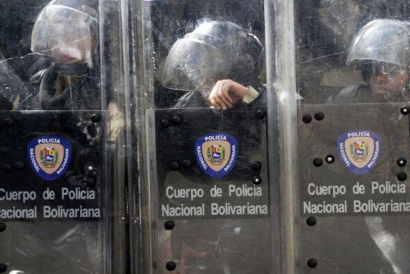 Cuerpo de Policía Nacional Bolivariano. Los estudiantes llevaron a cabo...