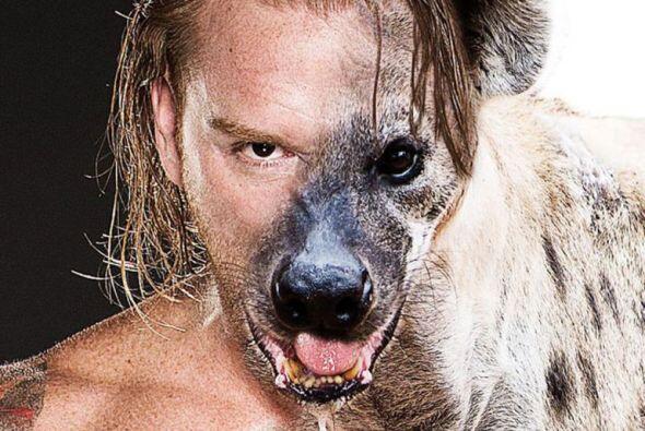 Los luchadores de la WWE así como las bellas que pelean en el rin...
