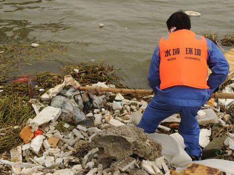 En Shanghai el secretario general de la Comisión Municipal de Agr...