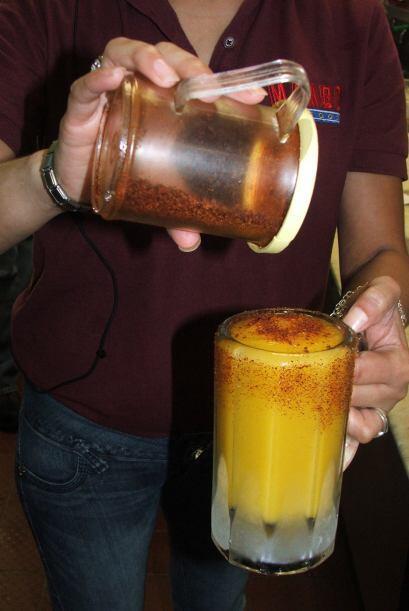 Luego va la mezcla de la margarita bien congelada y al final también le...