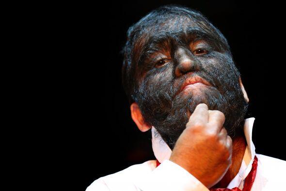 Su fama lo ha llevado este 2012 a pertenecer al Circo del Horror de Berl...