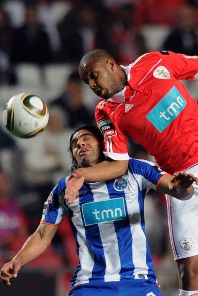 Oporto, líder del torneo, visitó a su archirrival, el Benfica.