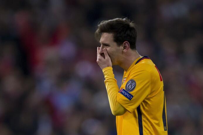 Los rostros de decepción de los blaugranas por perder contra el Atlético.
