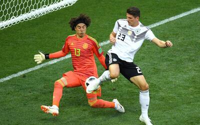 Ochoa tuvo una gran actuación en el duelo ante Alemania.