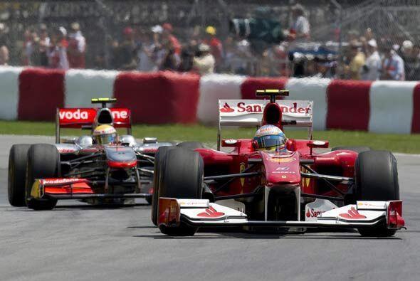 Aunque los pilotos de la 'Scuderia' comenzaron bien, se vieron superados...