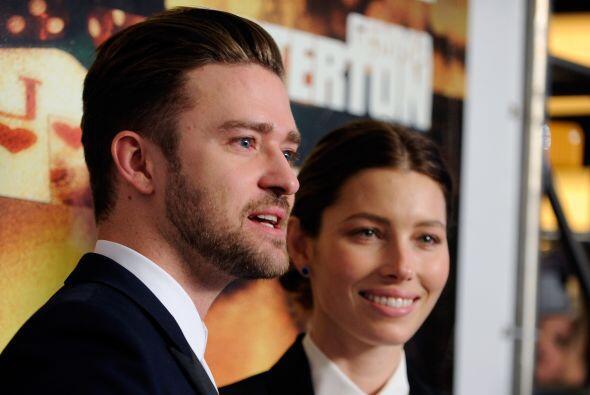 Justin Timberlake llegó acompañado de su esposa Jessica Beil a la premie...