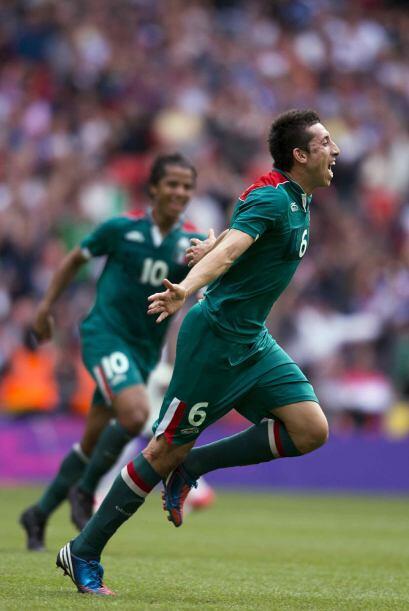 Héctor Herrera, quien fue uno de los mejores jugadores en Londres,  emig...