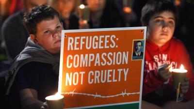 Oraciones y protestas en favor de los derechos de los refugiados en Europa.
