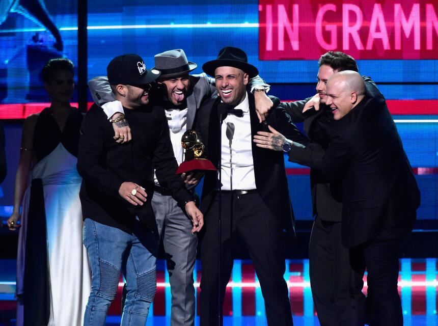 Nicky Jam se llevó el galardón a Mejor Interpretación Urbana por su tema...