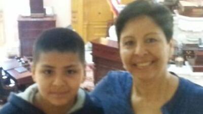 María junto a su hijo Andrew.