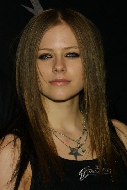 Avril Lavigne nació un  27 de septiembre de 1984 en Napanee, Ontario y a...