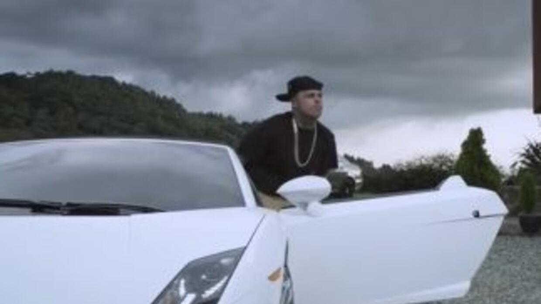 En el video Travesuras del reguetonero Nicky Jam aparece un Lamborghini...