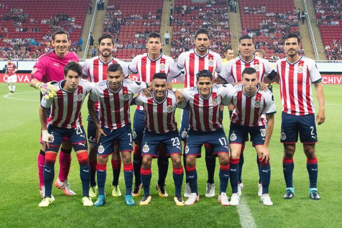 El campeón no sabe ganar: Chivas y Necaxa reparten puntos 20170805_1817.jpg