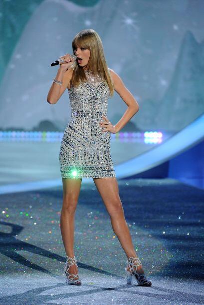 El bochornoso momento ocurrió cuando la cantante interpretaba el...