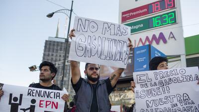El 'gasolinazo' en imágenes: protestas y saqueos por el aumento de la gasolina en México
