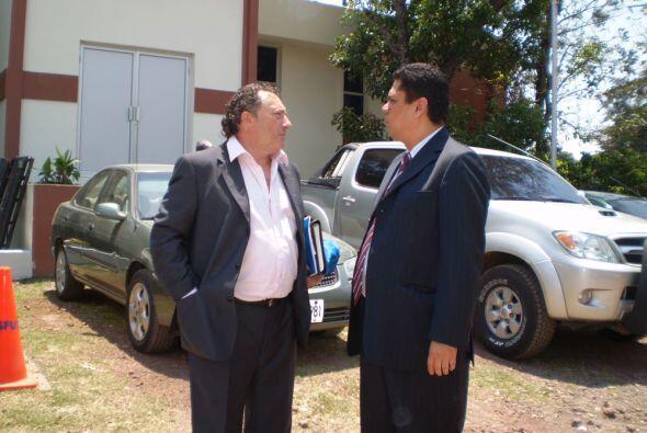 Tras la conferencia, Israel charló un momento con la dirigencia. (Fotos:...