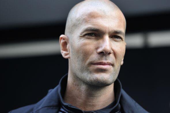 """Francia: Zinedine Zidane es """"mago del balón"""" y el hechicero de todas las..."""