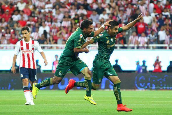 La Clase: La clase la demostró  el jugador de Santos, Néstor Calderón, q...
