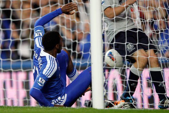Con un 3 a 0 lapidario, Chelsea está tercero debajo del 'Man-U' y el City.
