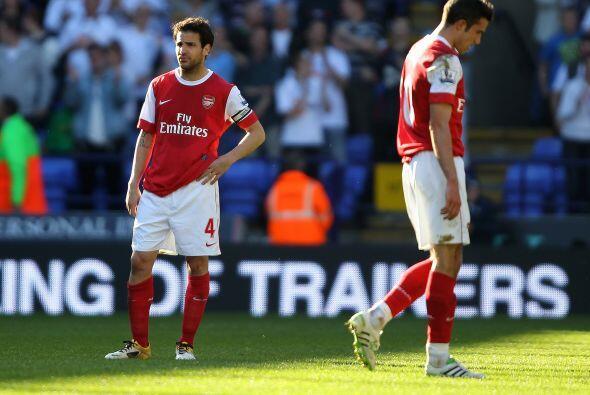 Arsenal perdió por 2-1 y sus opciones de alcanzar el título de la Premie...