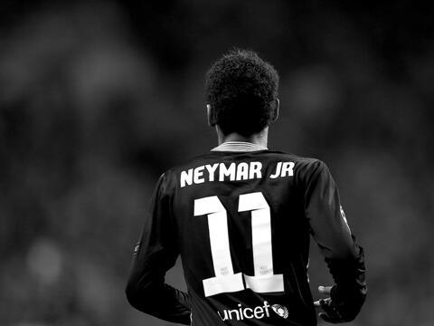 En memes: Neymar se inclina por los millones del PSG GettyImages-1826112...