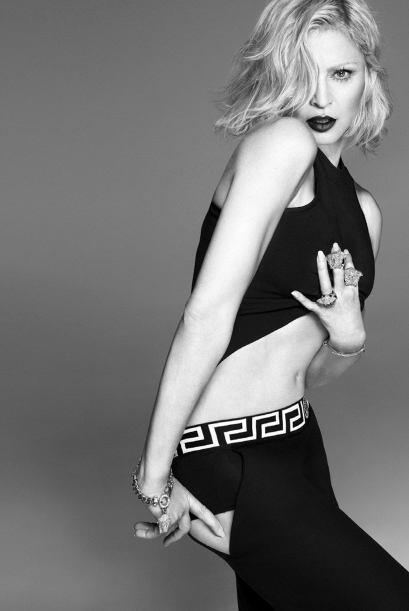 Sensual y presumiendo esas increíbles 'abs', Madonna dejó claro por qué...