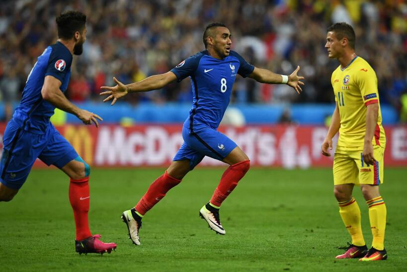 Francia derrotó 2-1 a Rumania en el partido inaugural de la Euroc...