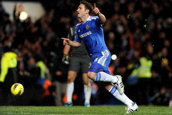 Frank Lampard era el encargado de cobrar el disparo y no falló.