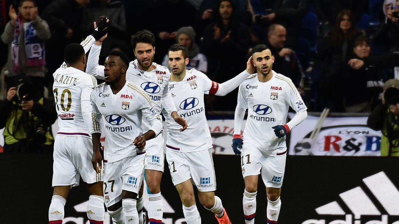 El Lyon goleó al Guingamp
