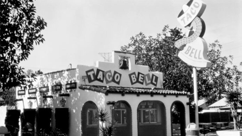 Primer restaurante de Taco Bell abierto en 1962