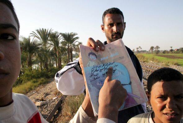 Familiares de los fallecidos acudieron a la zona para manifestarse y exi...