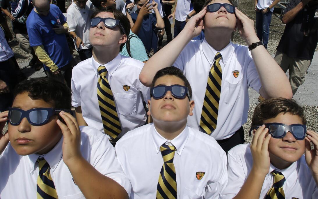 Los estudiantes de la Escuela Preparatoria de Belén también pudieron ver...