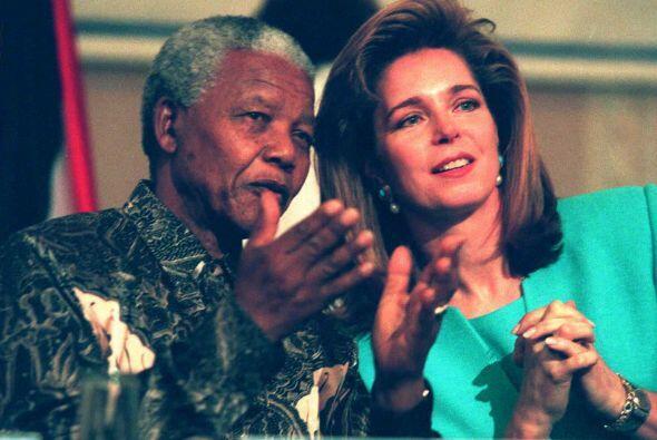 Aquí con la reina Noor de Jordania, en su calidad de Presidenta de Coleg...