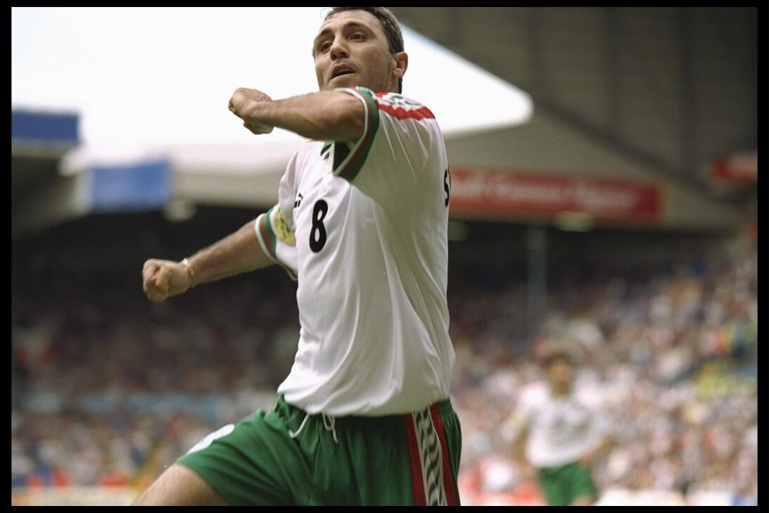 Hristo Stoichkov, una leyenda viva del fútbol de Bulgaria que cumple 52...