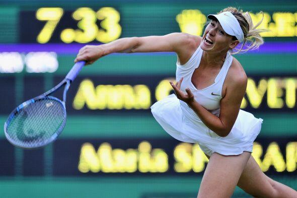 En duelo ruso, la campeona del 2004 en Wimbledon, María Sharapova, inici...