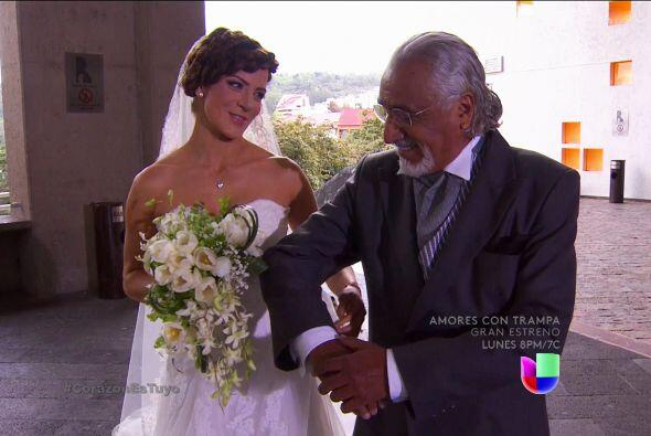 ¡Ana ya está en la iglesia y no hay nada que detenga su boda ante Dios!
