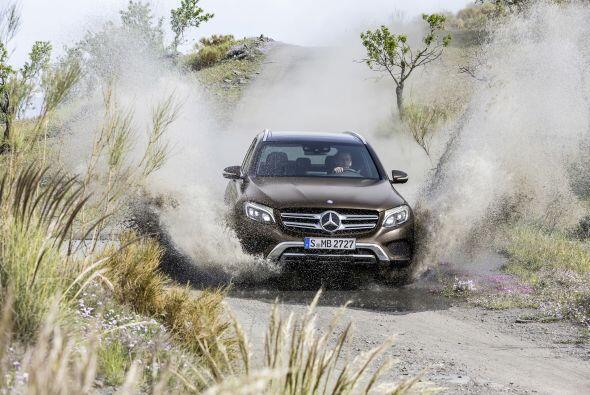 Mercedes-Benz presentó mundialmente al GLC, el modelo que antes se denom...