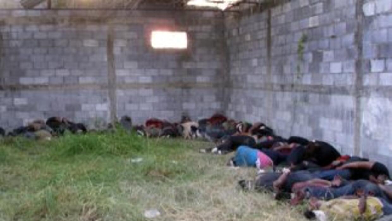 Dos policías desaparecieron del rancho donde fueron ejecutados 72 indocu...