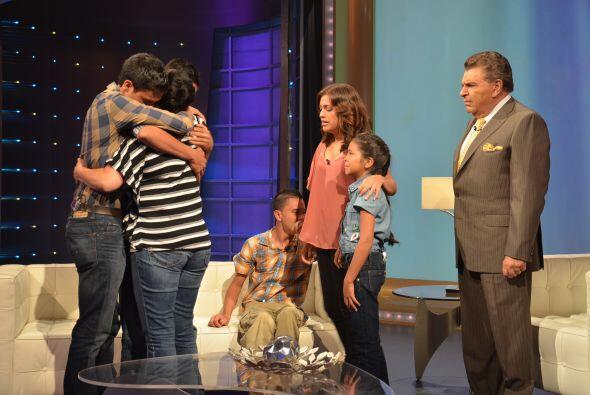 Después llegó uno de los momentos más emotivos con Elva Castro y el reen...